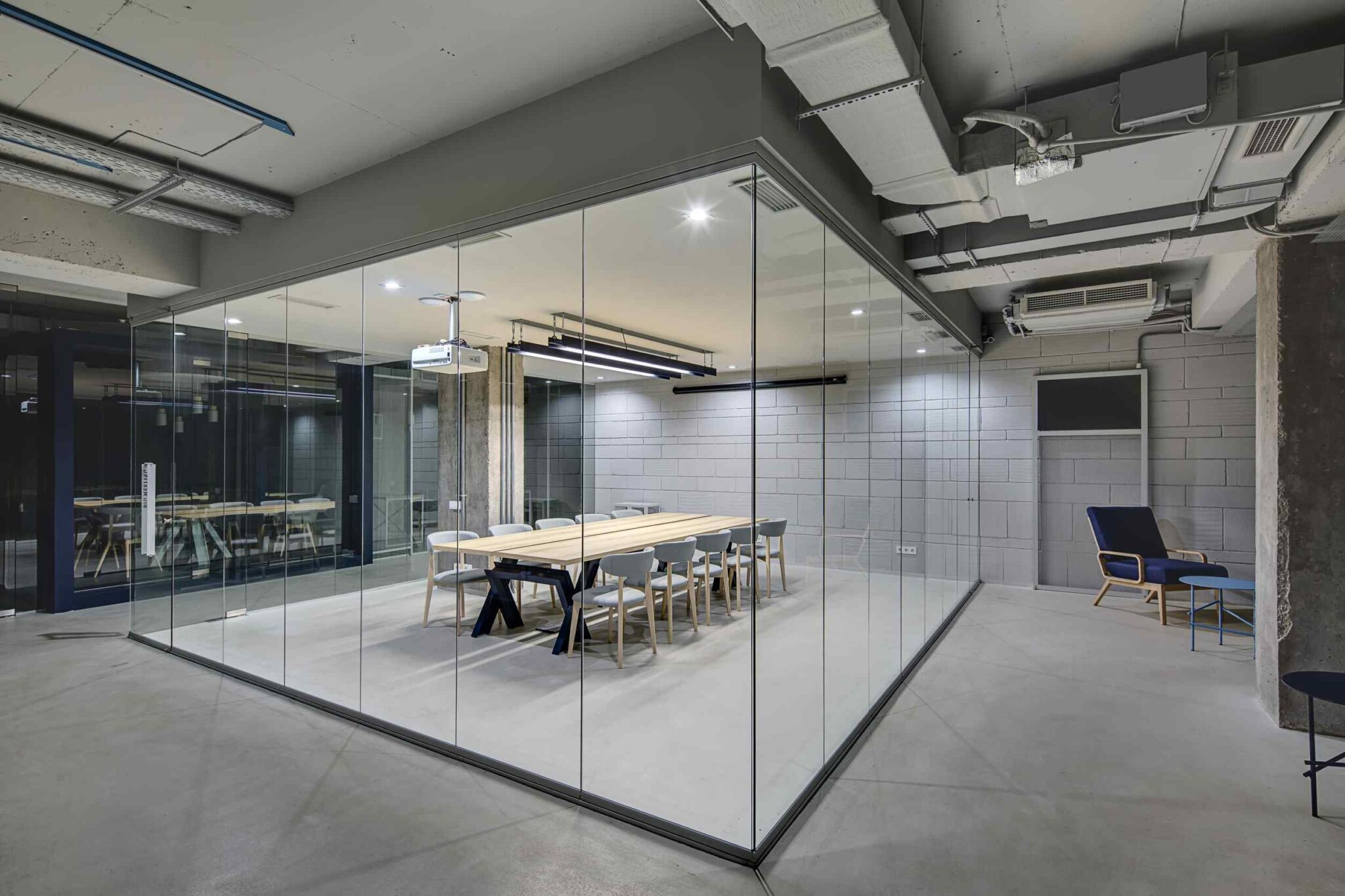 Advantages of Having Office Glass Partition in Malaysia